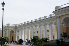 В Александровском дворце нашли потайную лестницу и туалет