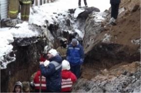 Спасатели нашли тело третьего погибшего при обвале грунта на стройке в Ульяновске