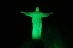 Молния отколола палец статуе Иисуса Христа в Рио-де-Жанейро