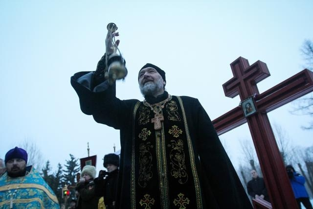 700 человек приняли участие в крестном ходе против пьянства в Петербурге : Фото