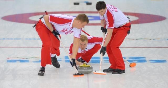 Керлинг, мужчины, Россия – Швеция: счет 4:8 в пользу Швеции: Фото
