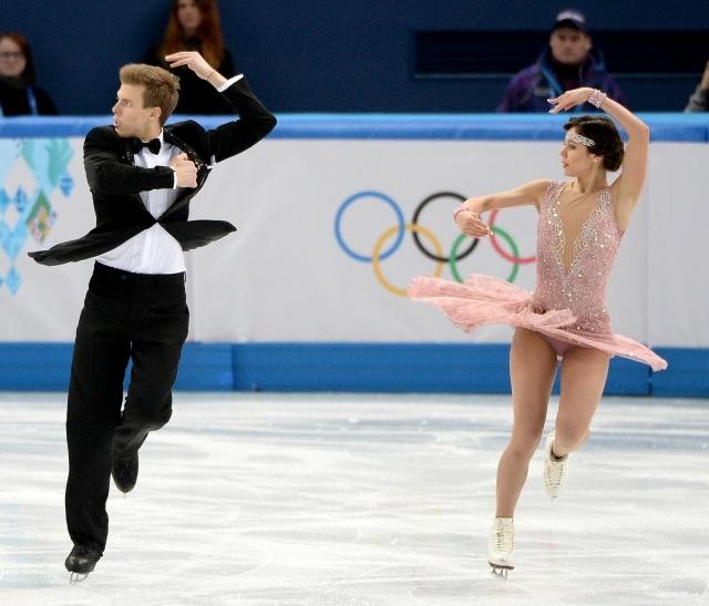 Фигуристы Ильиных и Кацалапов занимают 3-е место после короткой программы на ОИ: Фото