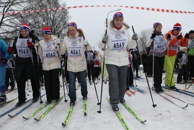 В «Лыжне России» в Петербурге приняли участие 32 тысячи человек : Фото