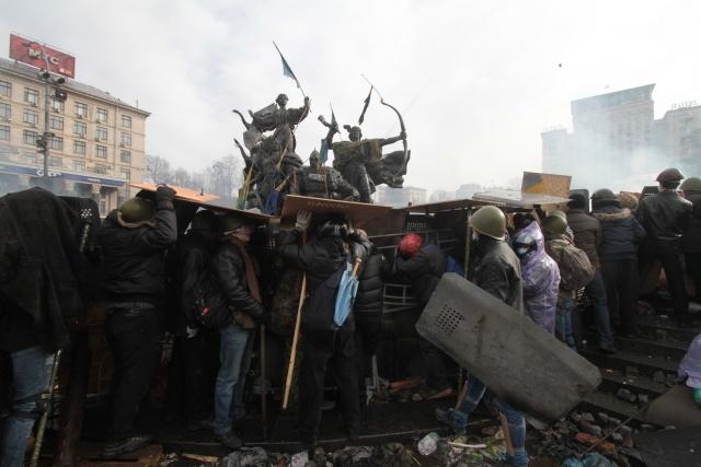 Киев, майдан, революция, 19 февраля 2014: Фото