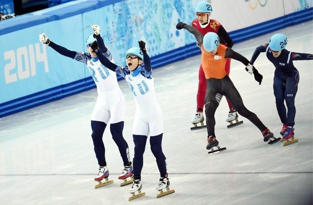 Золото шорт-трекистов вывело сборную России на второе место в медальном зачете : Фото