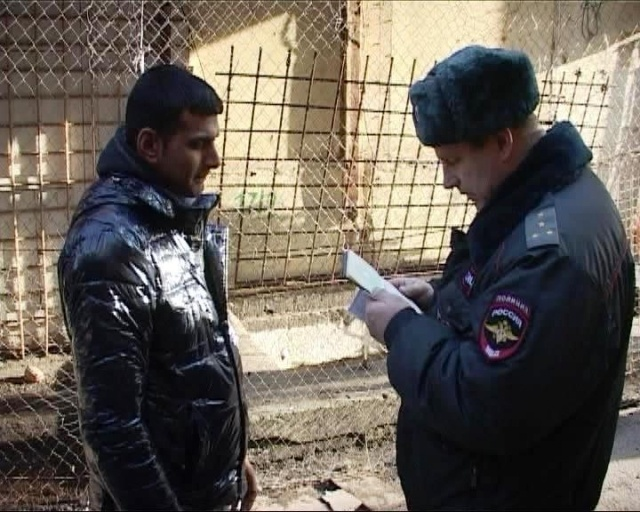 На Апраксином дворе в Петербурге задержали 90 человек: Фото
