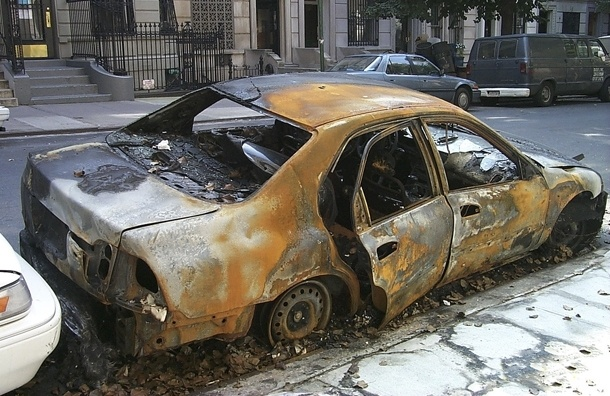 Как в Петербурге борются с автохламом