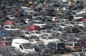 На организацию платных парковок в Петербурге потратят 2 млрд рублей