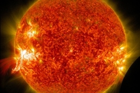 На Солнце произошла самая мощная за два года рентгеновская вспышка