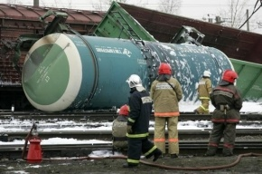 400 человек эвакуировали из-за загоревшихся цистерн с газом под Кировом