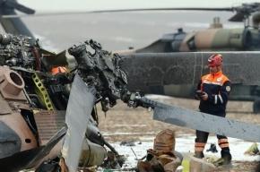 В Омской области вертолет Ми-2 зацепился за здание и рухнул
