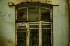 На Васильевском острове ребенок выпал из окна второго этажа