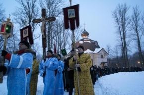 700 человек приняли участие в крестном ходе против пьянства в Петербурге