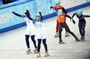 Золото шорт-трекистов вывело сборную России на второе место в медальном зачете