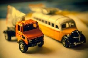 В Москве четыре человека пострадали в столкновении автобуса с грузовиком