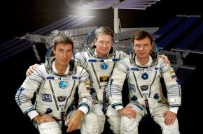 Космонавты поднимут флаг России на церемонии открытия Олимпиады в Сочи