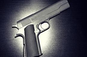 Трое жителей Тихвина напали на сотрудников уголовного розыска