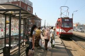 В Петербурге пьяный водитель сбил подростка на трамвайной остановке