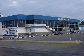 Вооруженные люди покинули аэропорт Симферополя