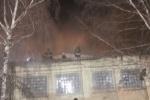 В Московском районе Петербурга горела шиномонтажная мастерская: Фоторепортаж