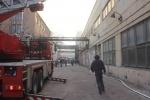 В Петербурге тушили пожар на заводе «Знамя труда имени Лепса» : Фоторепортаж