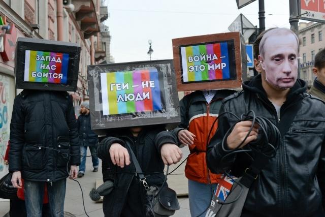 Шествие против цензуры на Невском: Фото