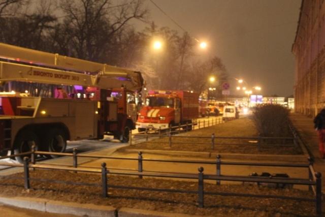 В Петербурге ночью горела Академия художеств: Фото
