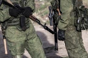 100 человек с автоматами захватили военкомат в Симферополе