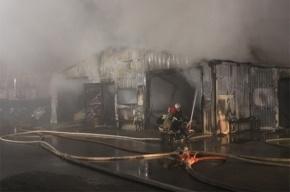 В Московском районе Петербурга горела шиномонтажная мастерская