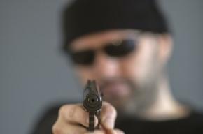 Вооруженные грабители ранили двоих мужчин в центре Москвы