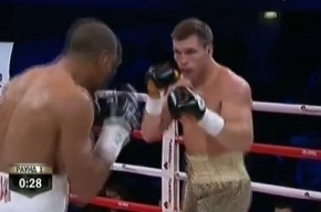 Российский боксер Дрозд отправил соперника в больницу, защитив титул
