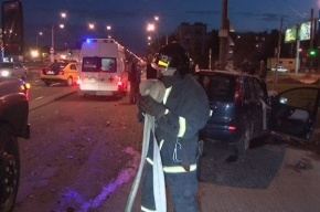 На Богатырском проспекте инкассаторская машина попала в ДТП