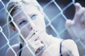 Ученые: Курение приводит к изменениям в коре головного мозга