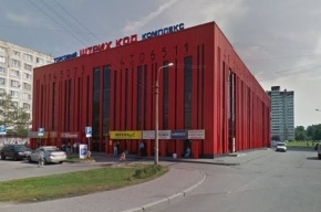 Прокуратура нашла нацистскую атрибутику в торговом центре в Петербурге