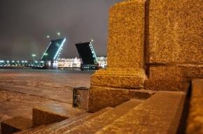 В Петербурге в ночь на 14 марта разведут пять мостов