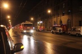 При пожаре в бизнес-центре в Петербурге погиб человек