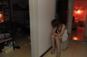 В трехкомнатной квартире на Невском закрыли бордель
