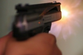 В Петербурге в супермаркете пьяный судебный пристав открыл стрельбу