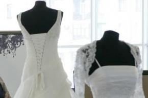 Приставы в Петербурге арестовали 45 платьев в свадебном салоне