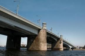 В Петербурге завершены работы по подсветке моста Александра Невского
