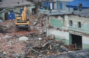 Защитники Аракчеевских казарм перекрыли Шпалерную улицу