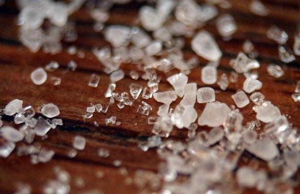 Соль и сахар в ванной принесут больше пользы, чем на кухне