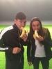 Футболисты едят банан 28042014 : Фоторепортаж