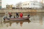 Фоторепортаж: «В Петербурге в реку Мойку упал автомобиль с девушкой за рулем »