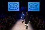Фоторепортаж: «Футболисты «Зенита» продемонстрировали коллекцию ретроформы команды на показе мод »