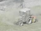Во Фрунзенском районе трактором «выбивали» пыль из газона : Фоторепортаж