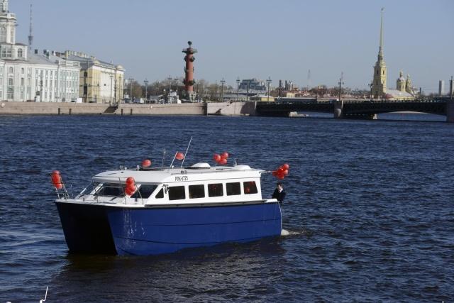 В Петербурге представили новый аквабус с биотуалетом: Фото