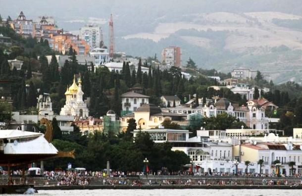 Крымские курорты спасут офицеры с семьями