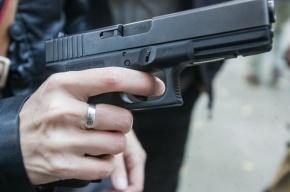В центре Москвы полицейский открыл огонь по вооруженным грабителям