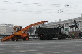 В Петербурге за прошедшую зиму расплавили 111 тысяч кубометров снега